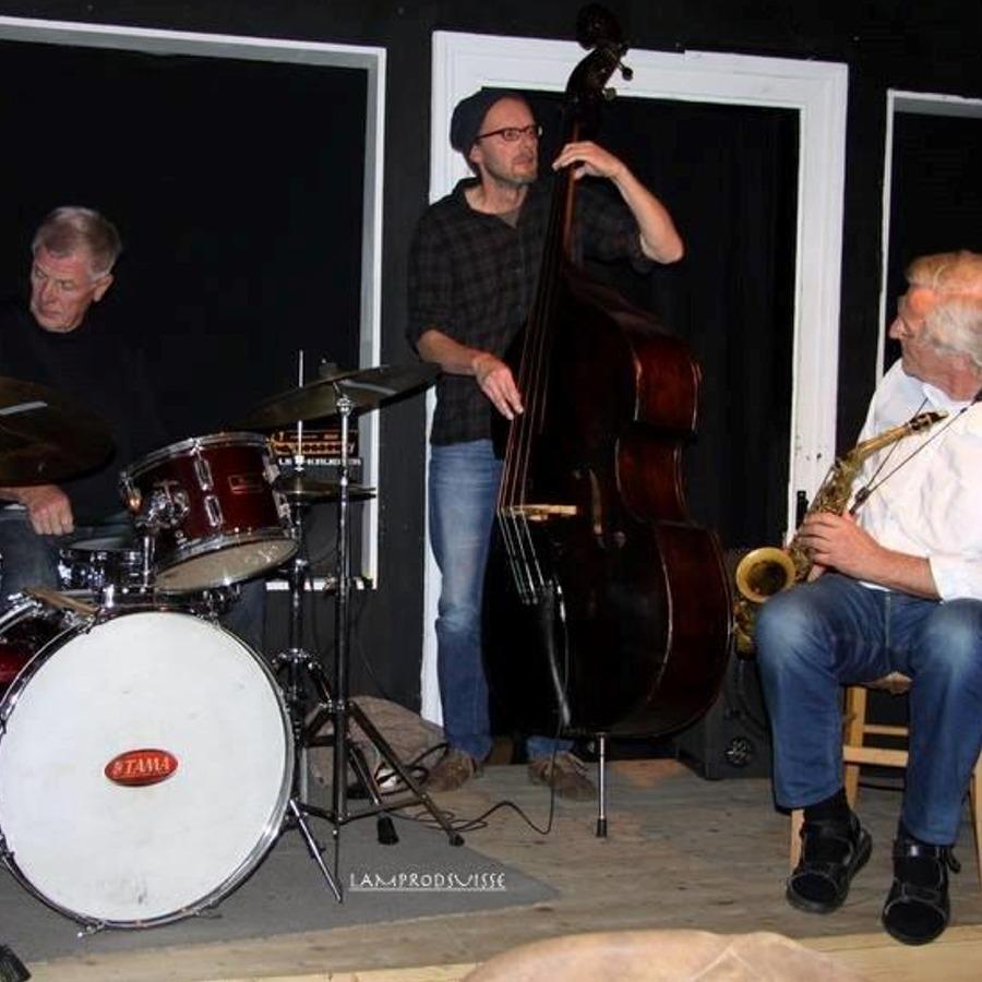 #125 ROHKOST JAZZ TRIO – Bebop Jazz mit ROGER ZIMMERMANN, DUŠAN PRUSÁK und ADI GERLACH